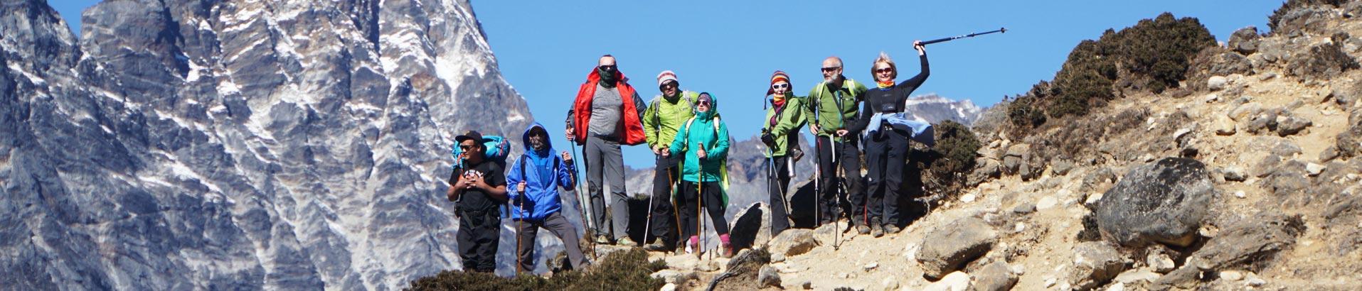 Группа APEX-mountain в полном составе взошла на один из перевалов возле Эвереста в Непале